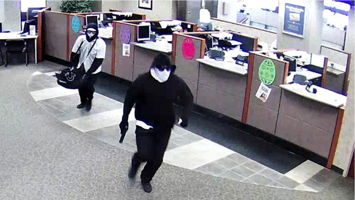 essay on a bank robbery i witnessed